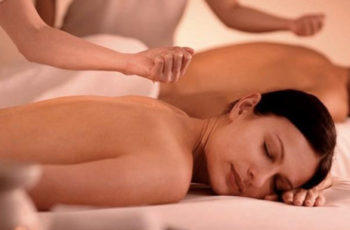 Massagem para casais também! Conheça o ritual tântrico
