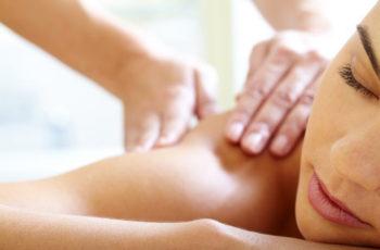 Massagem tântrica: o que você precisa saber antes de experimentar