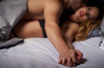 Mais prazer à parceira com massagem tântrica